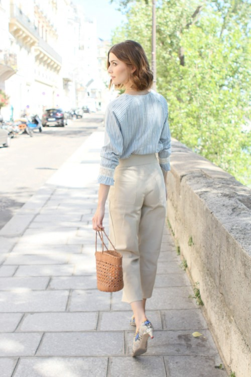 blue blouse with white stripes and lace details 3