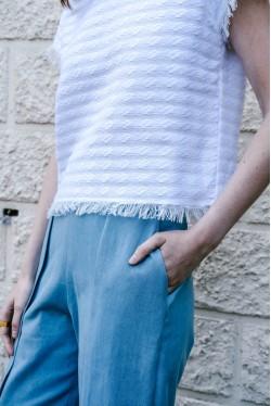 T-shirt blanc à coupe carrée et col en dentelle 3
