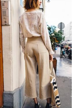 Pantalon à coupe évasée couleur sable 3