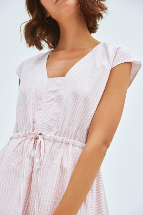 Robe longue à rayures roses et blanches 1