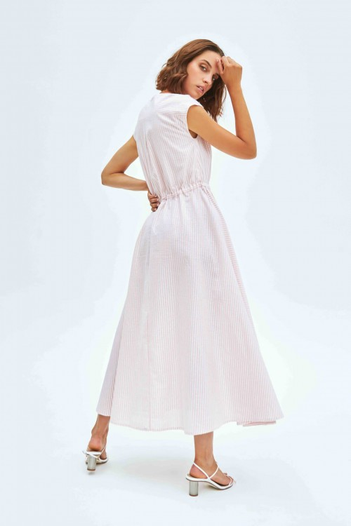 Robe longue à rayures roses et blanches 3