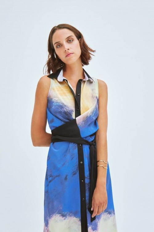 Sleeveless shirt dress produced in a printed silk 3