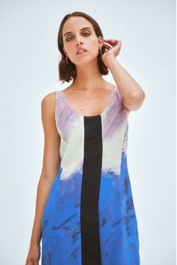 Robe chemise sans manches aux imprimés abstraits 5