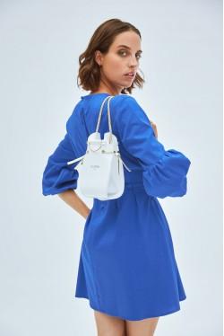 robe bleue avec ceinture intégrée 2
