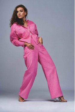 Cord trousers produced in pink made in Paris 3