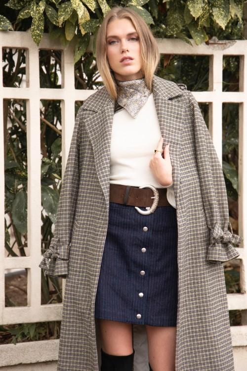 Ceinture large en cuir avec une boucle ornée par la marque de mode parisienne Koshka Paris