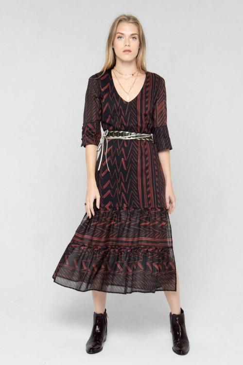 Robe longue à motifs ethniques créée par la marque de mode parisienne Koshka Paris