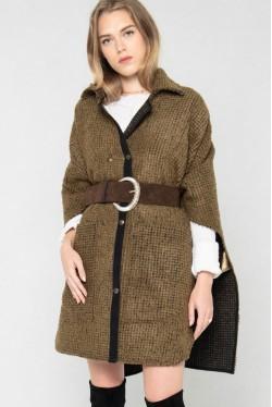 Cape en laine pour un hiver tendance créée par Koshka Paris 2