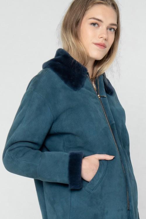 Bomber en peau lainée avec col en fourrure créé par Koshka Paris 1