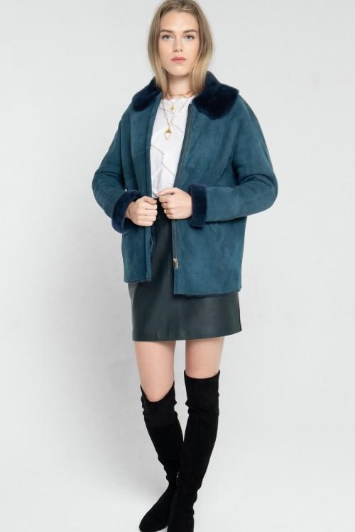 Bomber en peau lainée avec col en fourrure créé par Koshka Paris 5