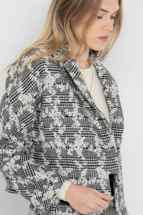 Veste tailleur en laine à carreaux et fleurs créée par Koshka Paris 1