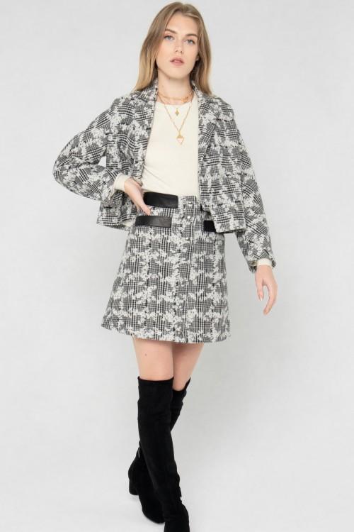 Veste tailleur en laine à carreaux et fleurs créée par Koshka Paris 4